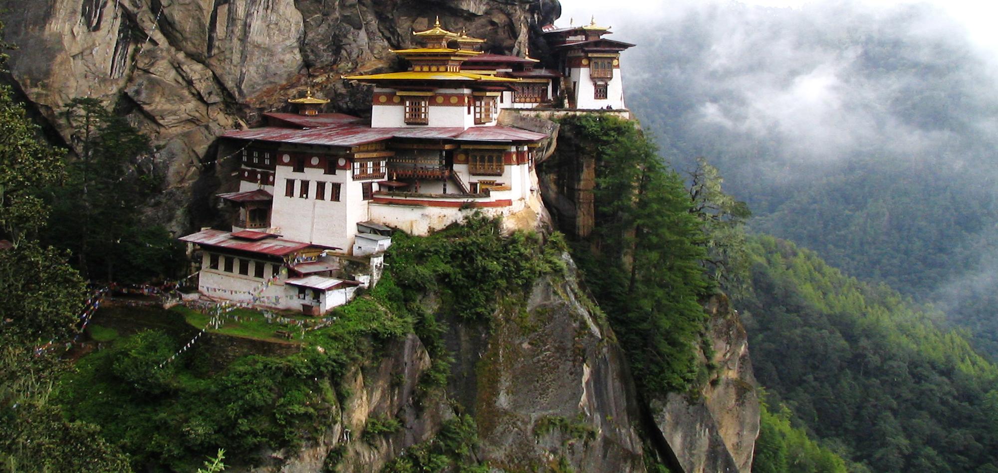 woodcessories_Reiseziele_Bhutan_Nachhaltigkeit_Holz_sommer